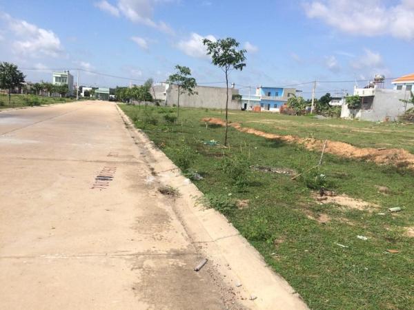 Bán 2 lô đất liền kề 300m2, giá chỉ 5,5 tr m2. Ngay KCN Lê Minh Xuân, TL10