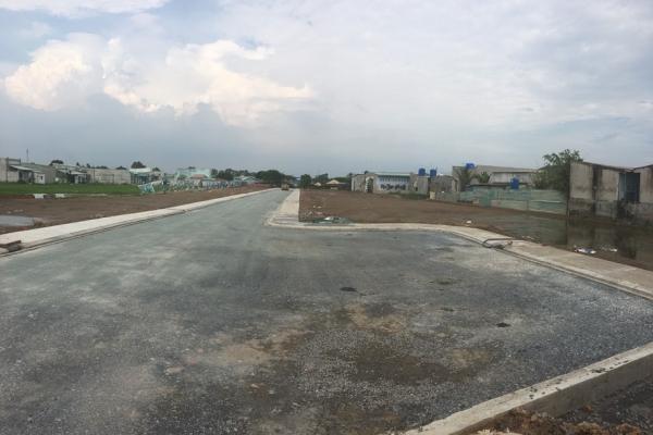 Lô đất 120m2, trung tâm thị trấn Đức Hòa, đường Võ Văn Vân, SHR, 1,1 tỷ